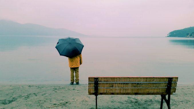 Strand bei Regen